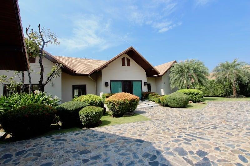 6 bedroom pool villa for rent in pranburi | Khao Kalok Rental Property | Pranburi Real Estate Agents