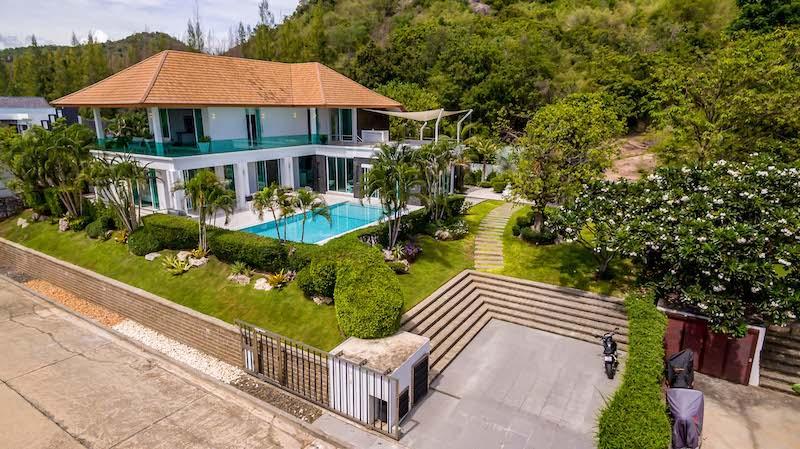Hua Hin luxury villa for sale