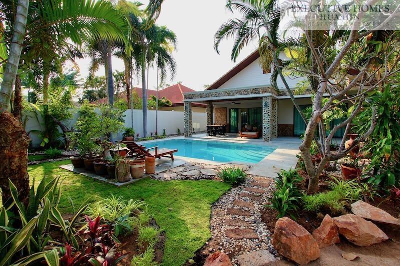 4 Bed Hua Hin House Near Beach For Sale